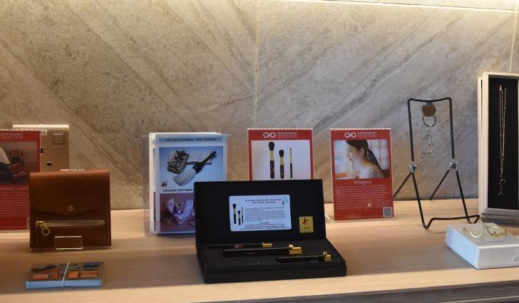 当社の化粧筆がシンガポールの「One&Co」にて展示中のサムネ